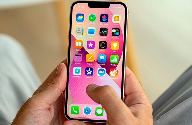 Apple iPhone 13 удобство