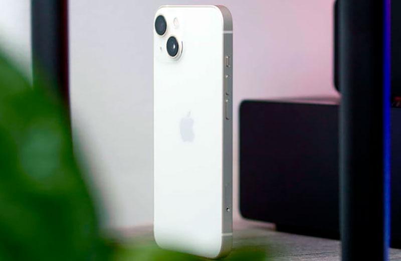 Apple iPhone 13 обзор
