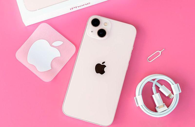 Apple iPhone 13 из коробки