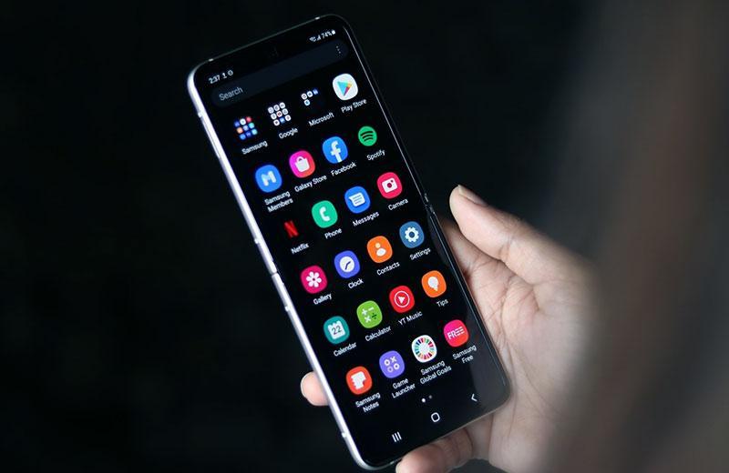 Samsung Galaxy Z Flip3 5G ОС