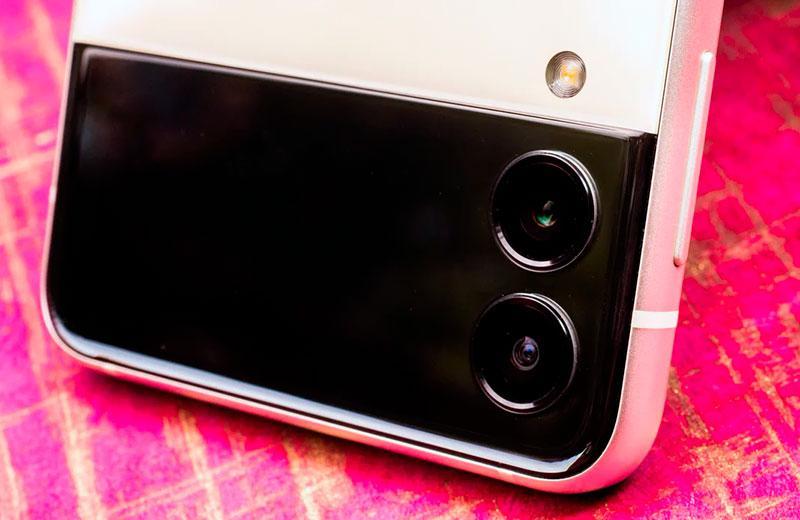Камера Samsung Galaxy Z Flip3 5G
