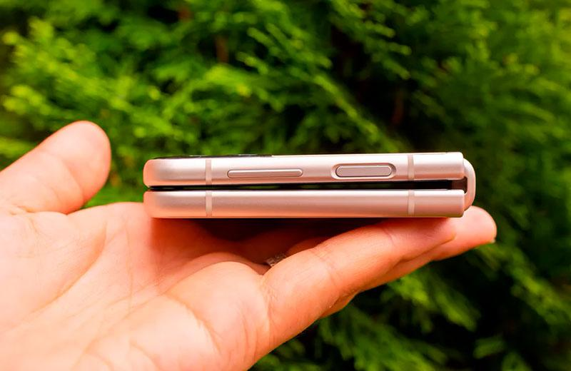 Дизайн Samsung Galaxy Z Flip3 5G