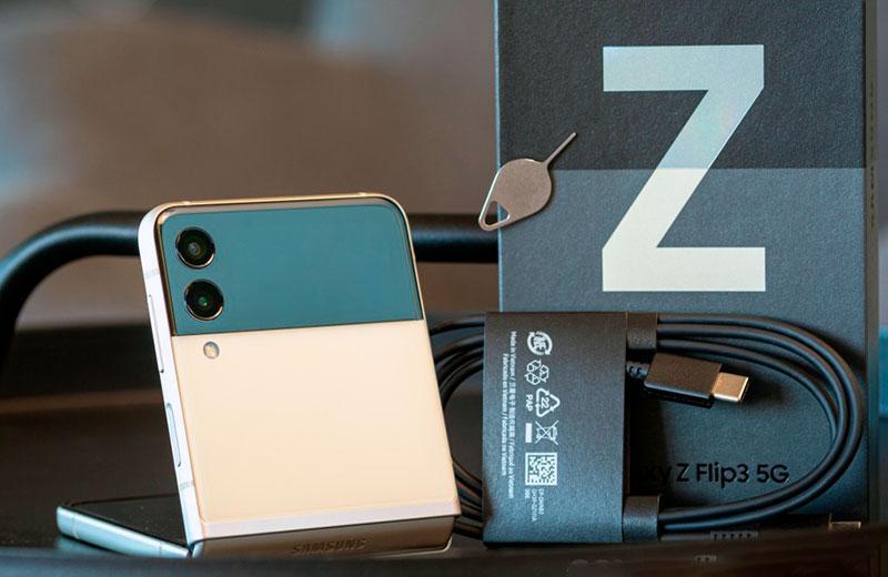 Samsung Galaxy Z Flip3 5G распаковка